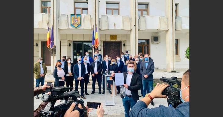 USR PLUS Agigea a strâns semnăturile pentru organizarea unui referendum local de demitere a primarului PSD Maricel Cîrjaliu