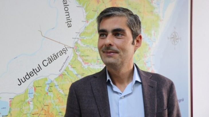 Deputatul PSD Lucian Lungoci calcă în picioare tinerii care s-au distrat la festivalul UNTOLD
