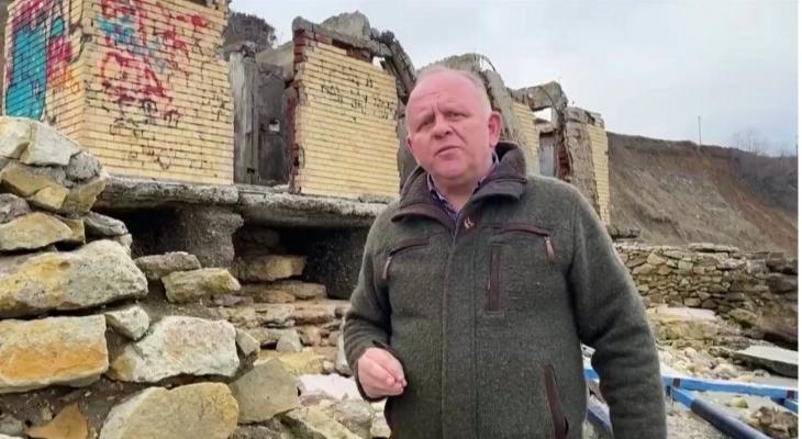 Să râdem cu Maricel Cîrjaliu. Primarul din Agigea e supărat pentru că nu poate restaura WC-ul lui Gheorghiu Dej